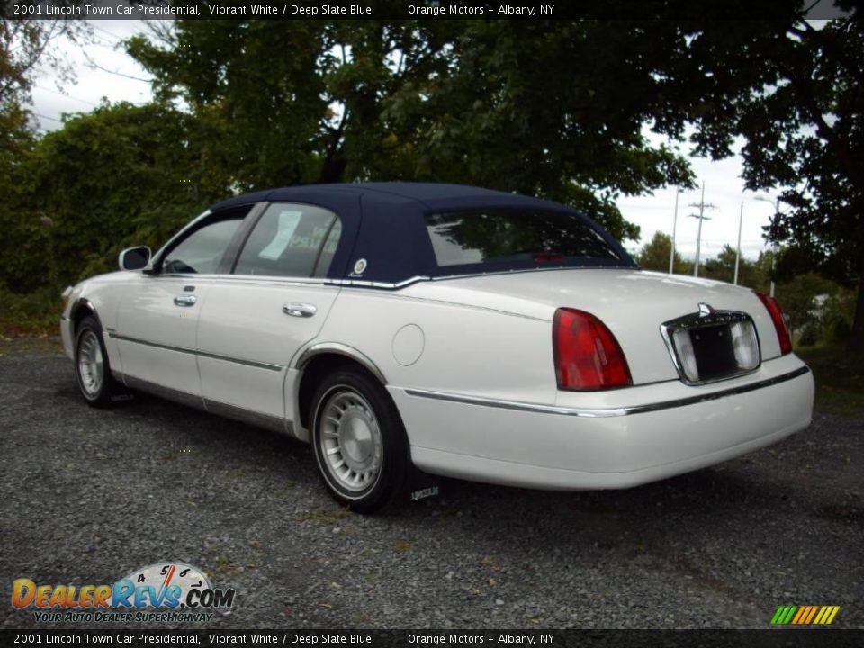 2001 Lincoln Town Car Presidential Vibrant White Deep Slate Blue