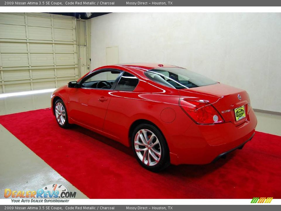 2009 nissan altima 3 5 se coupe code red metallic charcoal photo 4. Black Bedroom Furniture Sets. Home Design Ideas