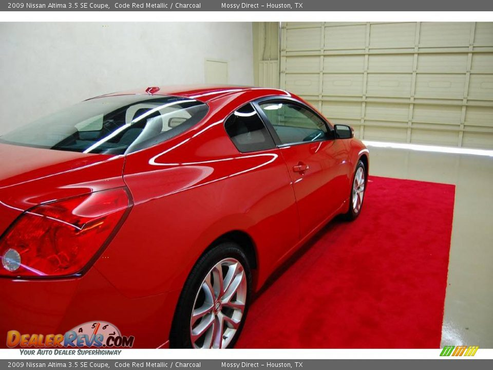 2009 nissan altima 3 5 se coupe code red metallic charcoal photo 7. Black Bedroom Furniture Sets. Home Design Ideas