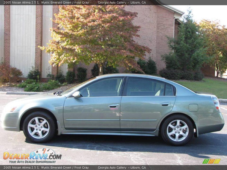 2005 Nissan Altima 2.5S >> 2005 Nissan Altima 2.5 S Mystic Emerald Green / Frost Gray Photo #12 | DealerRevs.com