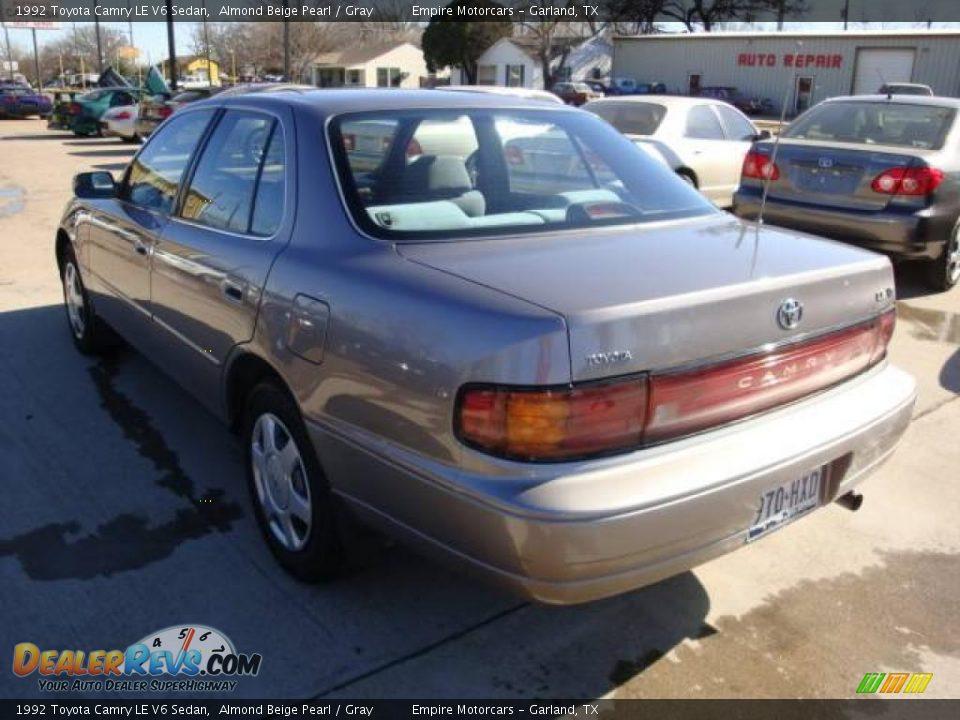 1992 Toyota Camry LE V6 Sedan Almond Beige Pearl / Gray Photo #6 ...