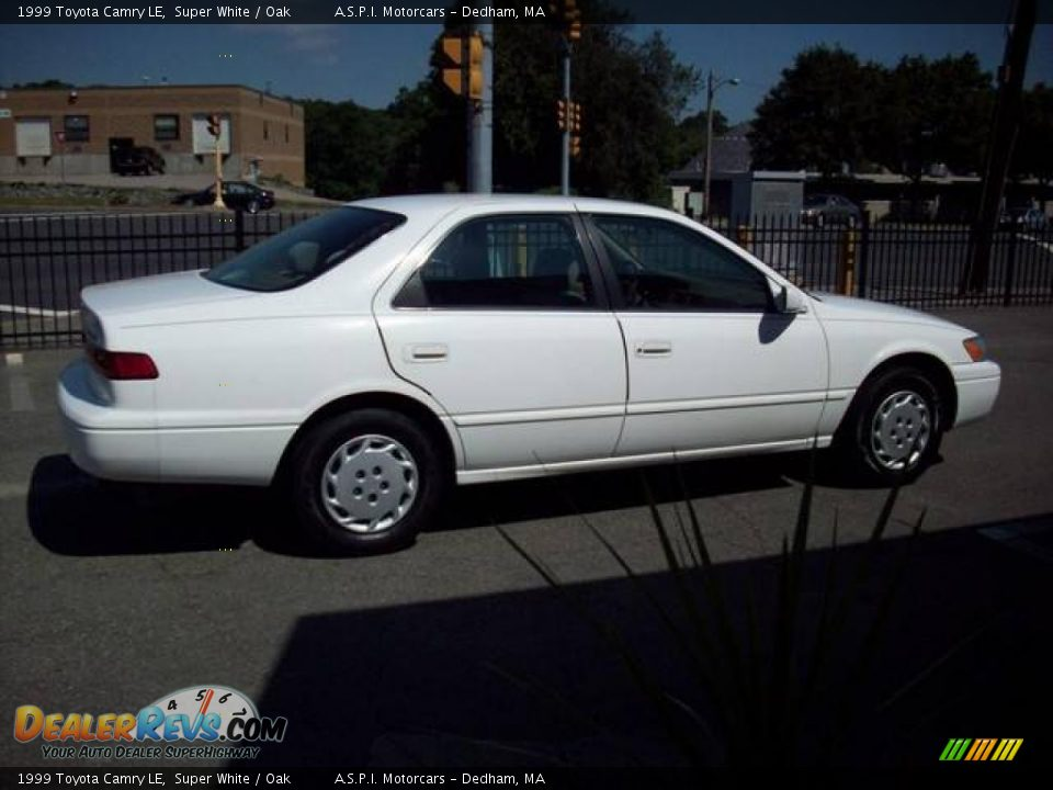 1999 Toyota Camry Le Super White Oak Photo 6