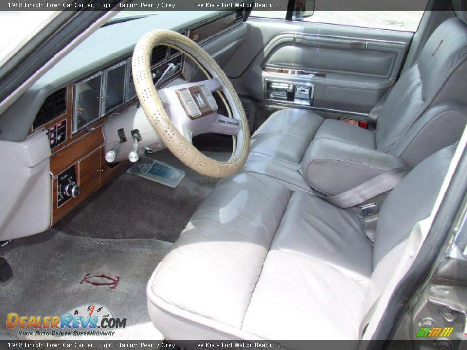 1988 lincoln town car cartier light titanium pearl grey photo 8. Black Bedroom Furniture Sets. Home Design Ideas