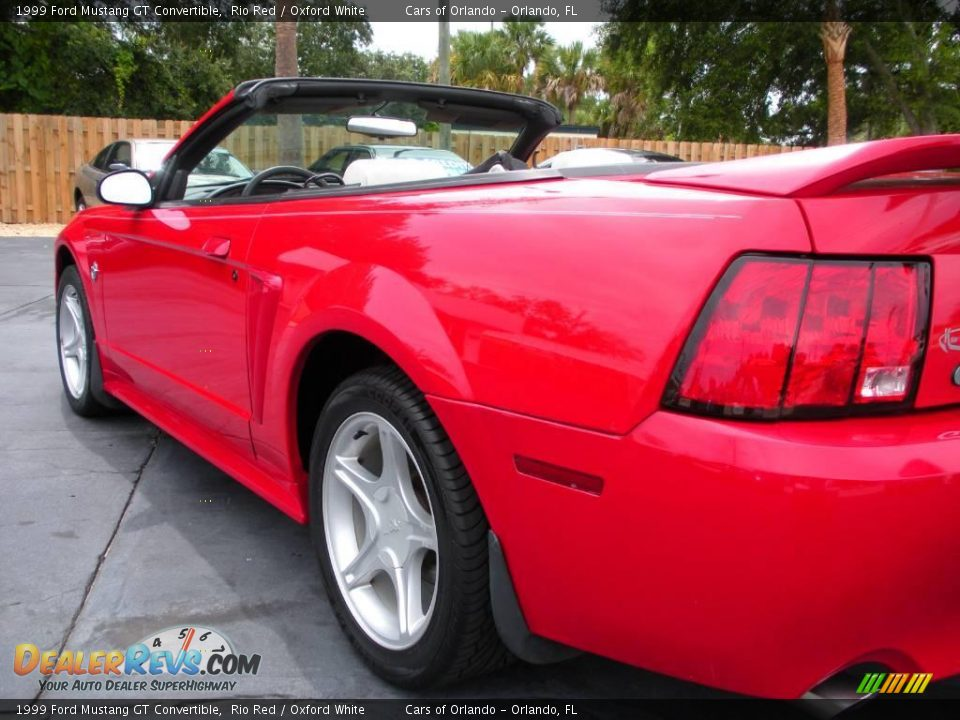 1999 ford mustang gt convertible rio red oxford white. Black Bedroom Furniture Sets. Home Design Ideas