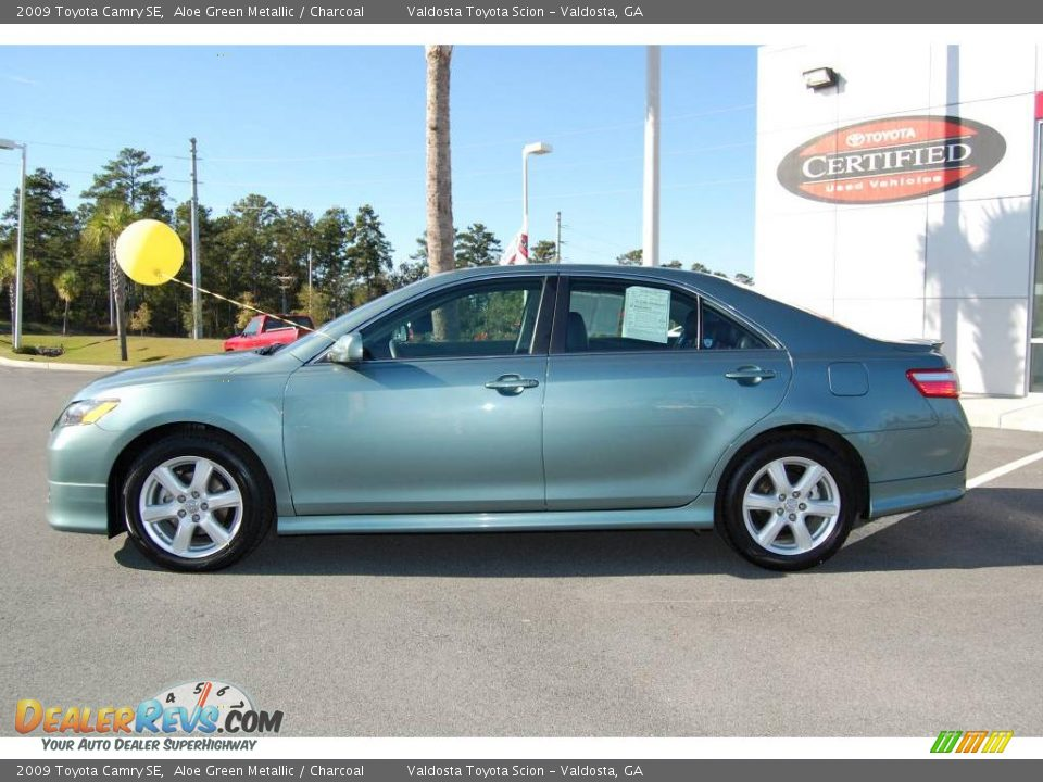 2009 Toyota Camry Se Aloe Green Metallic Charcoal Photo