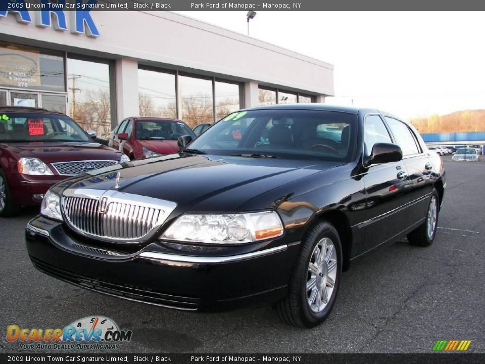 2009 lincoln town car signature limited black black photo 1. Black Bedroom Furniture Sets. Home Design Ideas