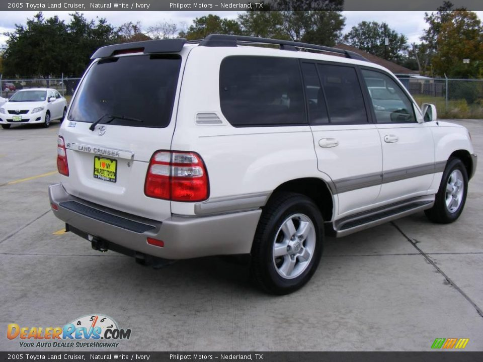 2005 Toyota Land Cruiser Natural White Ivory Photo 3