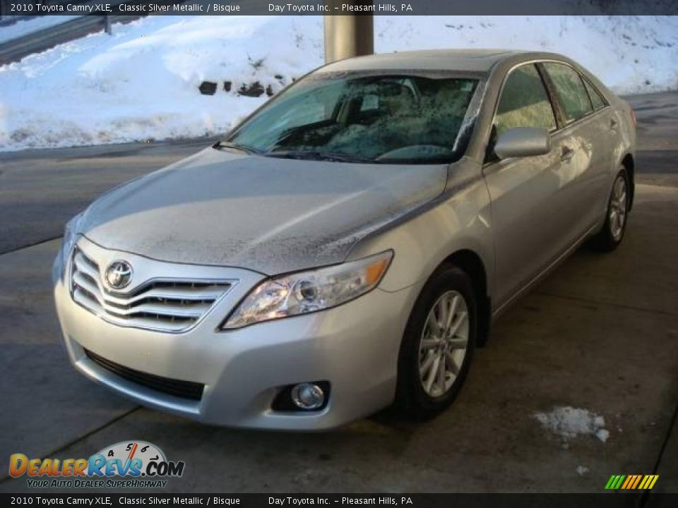 2010 toyota camry xle classic silver metallic bisque. Black Bedroom Furniture Sets. Home Design Ideas