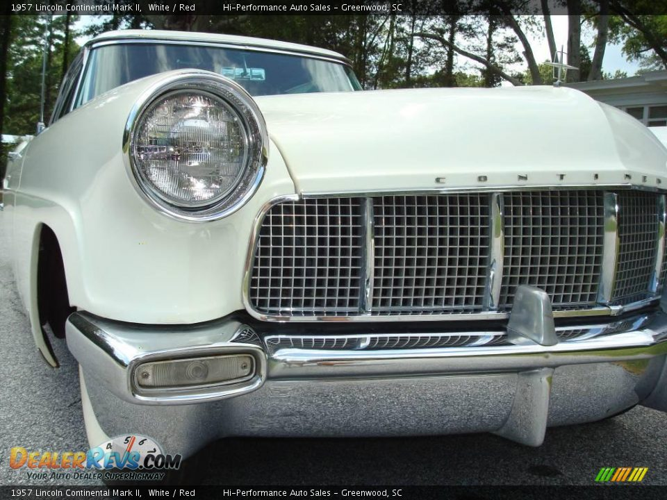1957 Lincoln Continental Mark II White / Red Photo #16