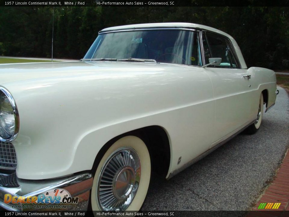 1957 Lincoln Continental Mark II White / Red Photo #18