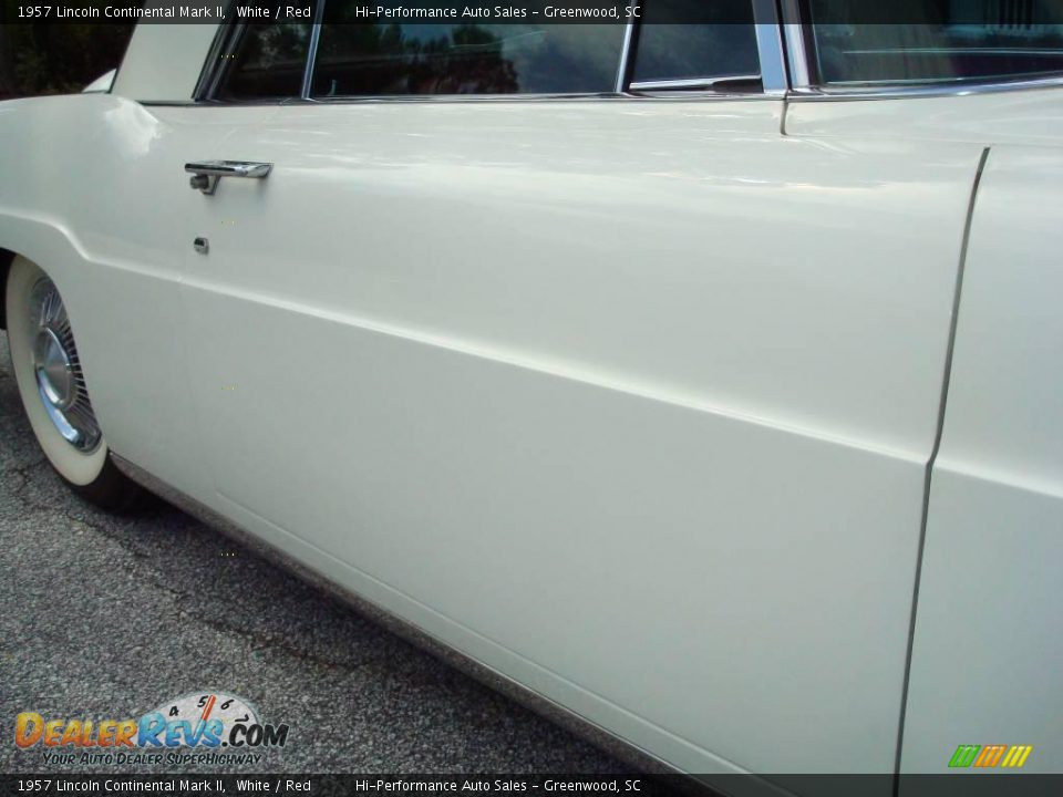 1957 Lincoln Continental Mark II White / Red Photo #20
