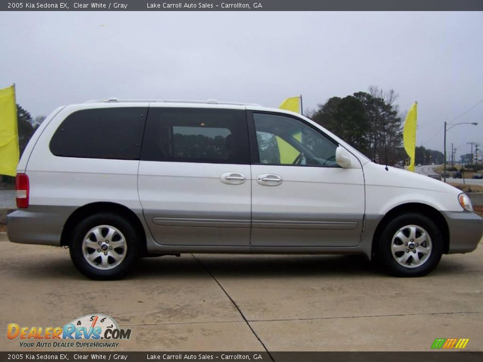 2005 Kia Sedona Ex Clear White Gray Photo 3