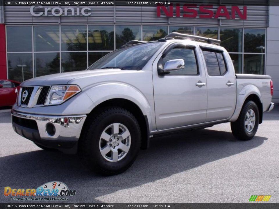 2006 nissan frontier nismo crew cab radiant silver graphite photo 1. Black Bedroom Furniture Sets. Home Design Ideas