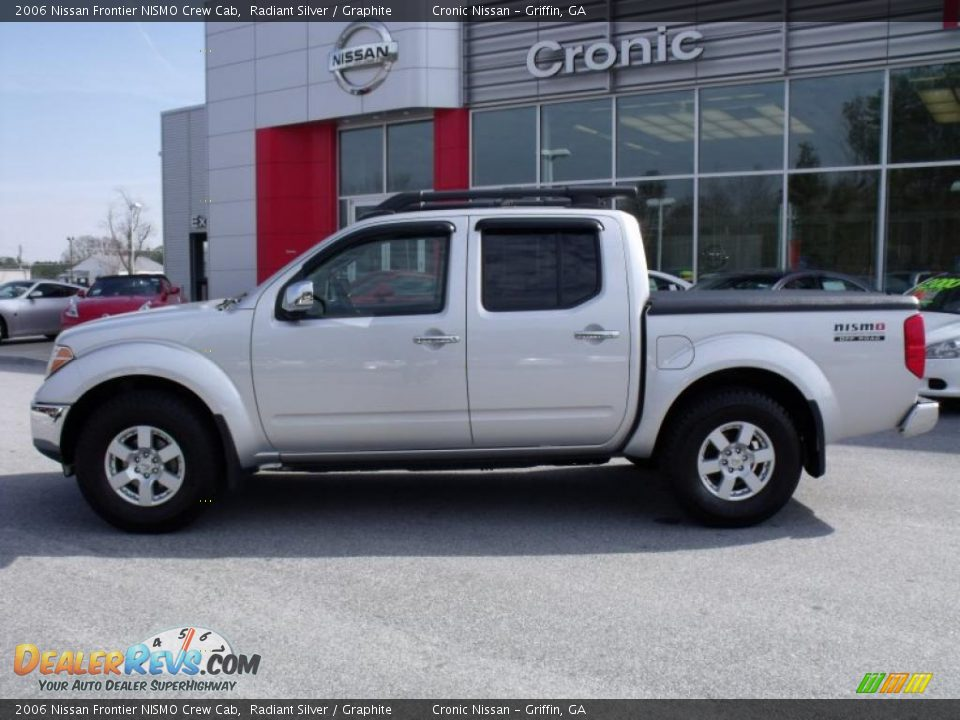 2006 nissan frontier nismo crew cab radiant silver graphite photo 2. Black Bedroom Furniture Sets. Home Design Ideas