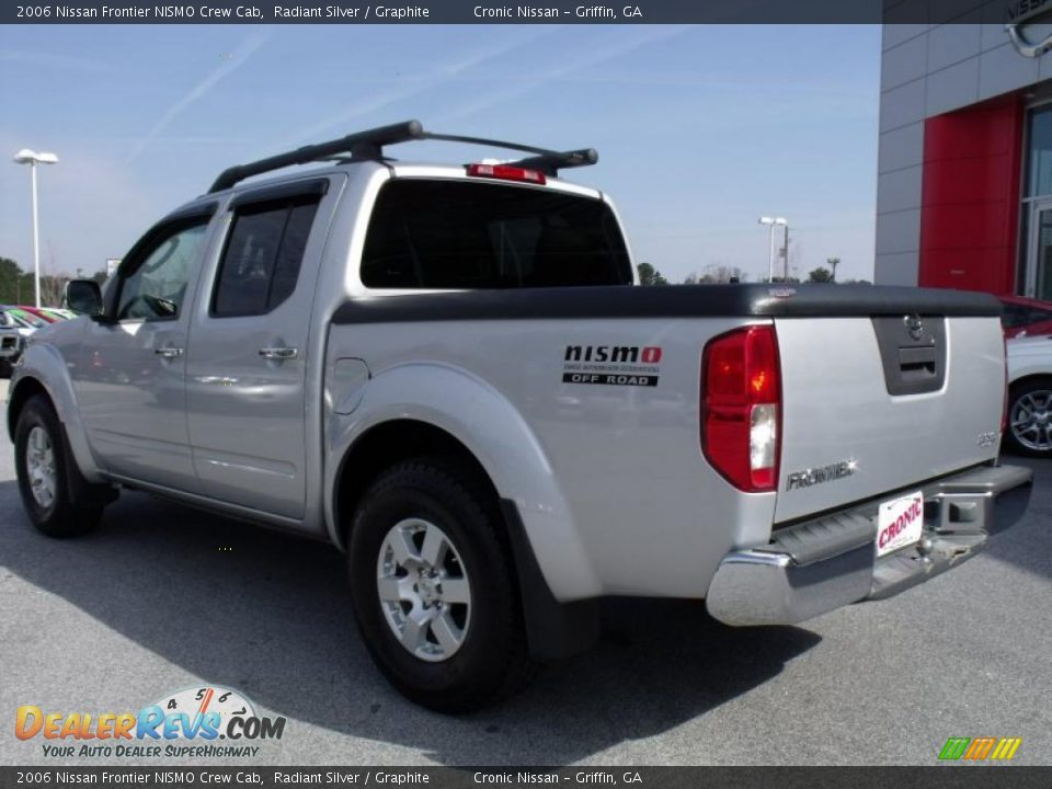 2006 nissan frontier nismo crew cab radiant silver graphite photo 3. Black Bedroom Furniture Sets. Home Design Ideas