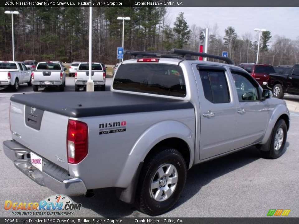 2006 nissan frontier nismo crew cab radiant silver graphite photo 5. Black Bedroom Furniture Sets. Home Design Ideas