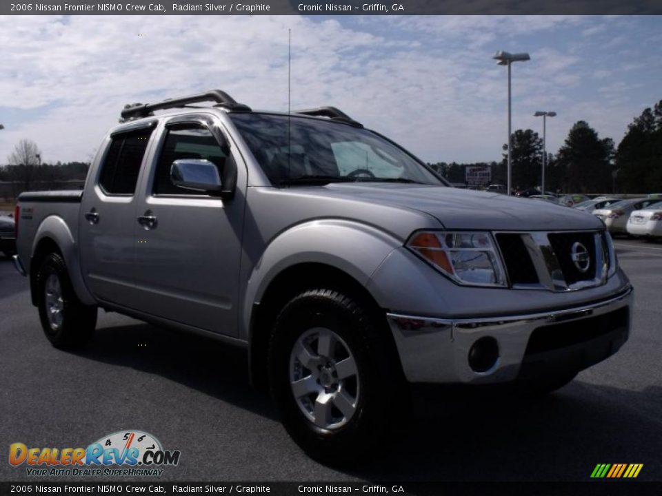 2006 nissan frontier nismo crew cab radiant silver graphite photo 7. Black Bedroom Furniture Sets. Home Design Ideas