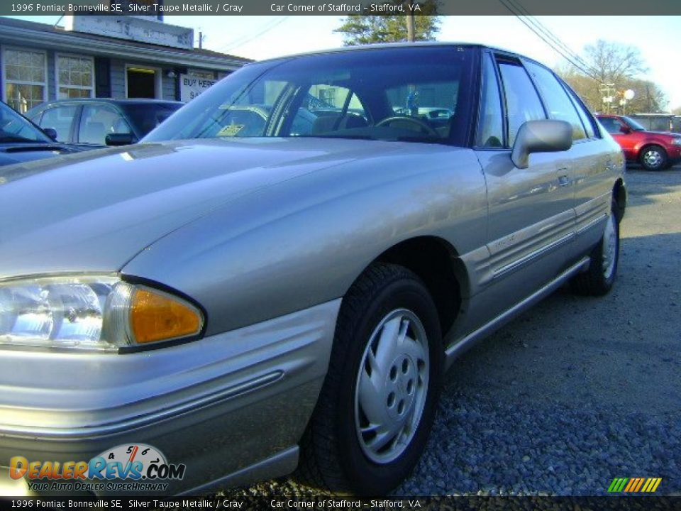 1996 pontiac bonneville se silver taupe metallic gray. Black Bedroom Furniture Sets. Home Design Ideas