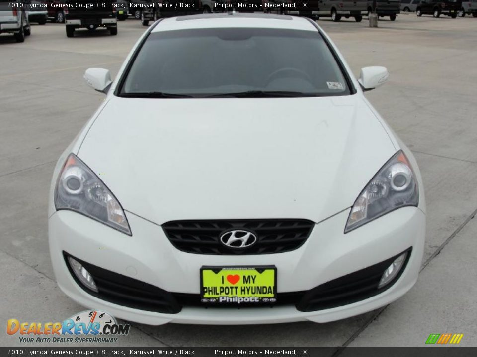 2010 hyundai genesis coupe 3 8 track karussell white black photo 8. Black Bedroom Furniture Sets. Home Design Ideas