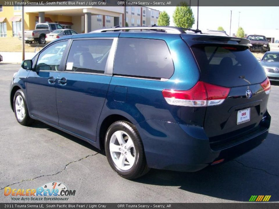 2011 Toyota Sienna Le South Pacific Blue Pearl Light