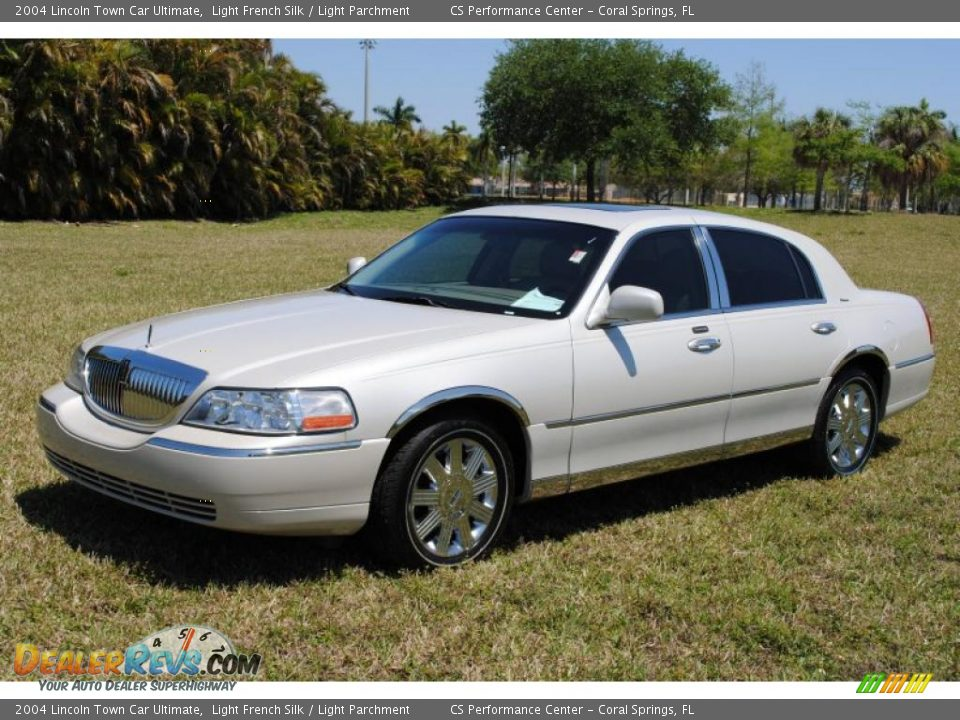 2004 Lincoln Town Car Ultimate Light French Silk Light