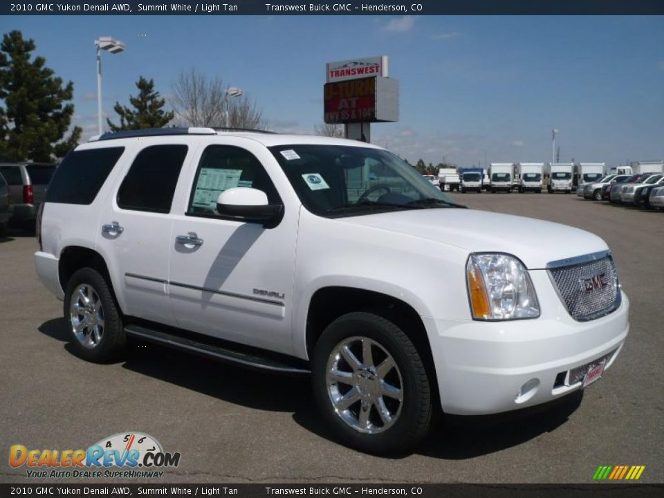 2010 gmc yukon denali awd summit white light tan photo 1. Black Bedroom Furniture Sets. Home Design Ideas