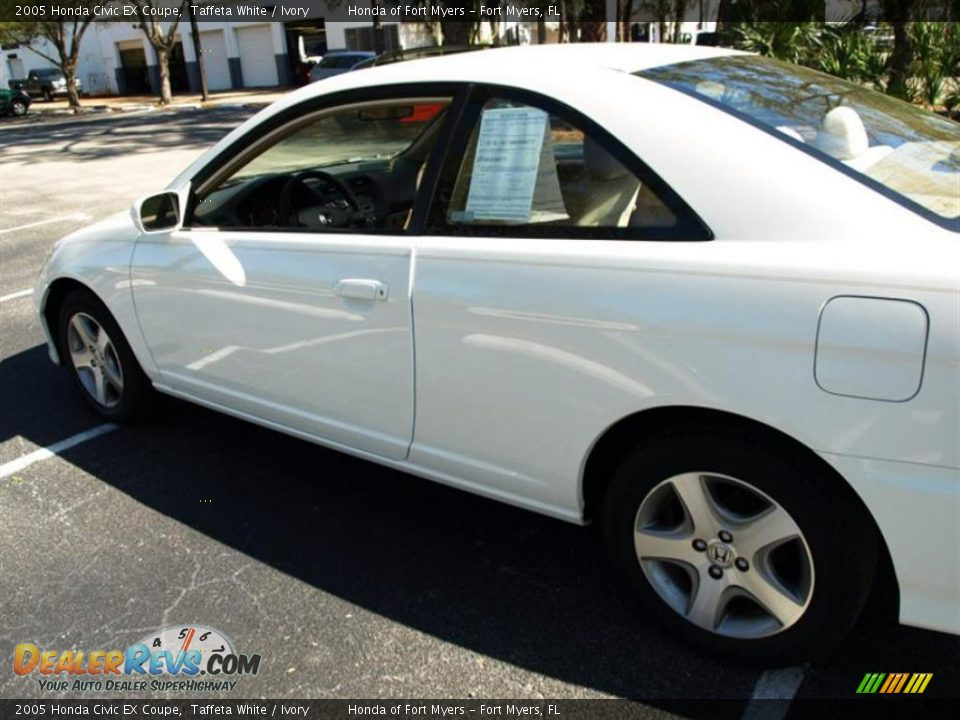 2005 honda civic ex coupe taffeta white ivory photo 6. Black Bedroom Furniture Sets. Home Design Ideas