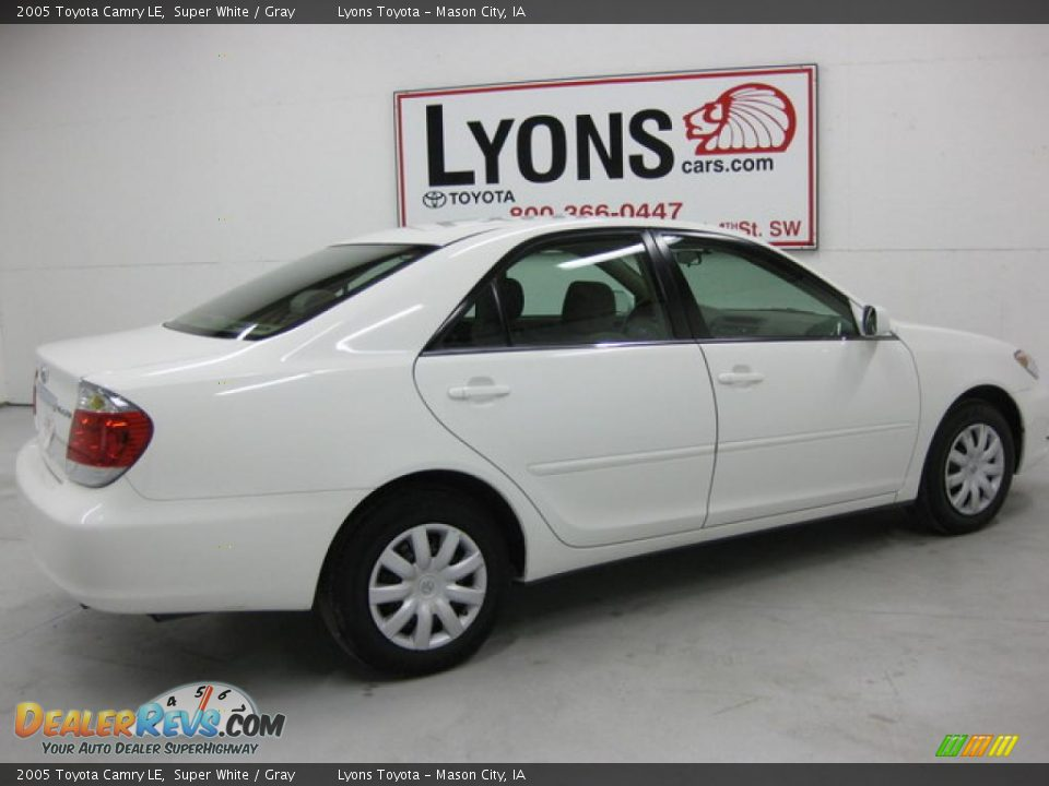 2005 Toyota Camry Le Super White Gray Photo 18