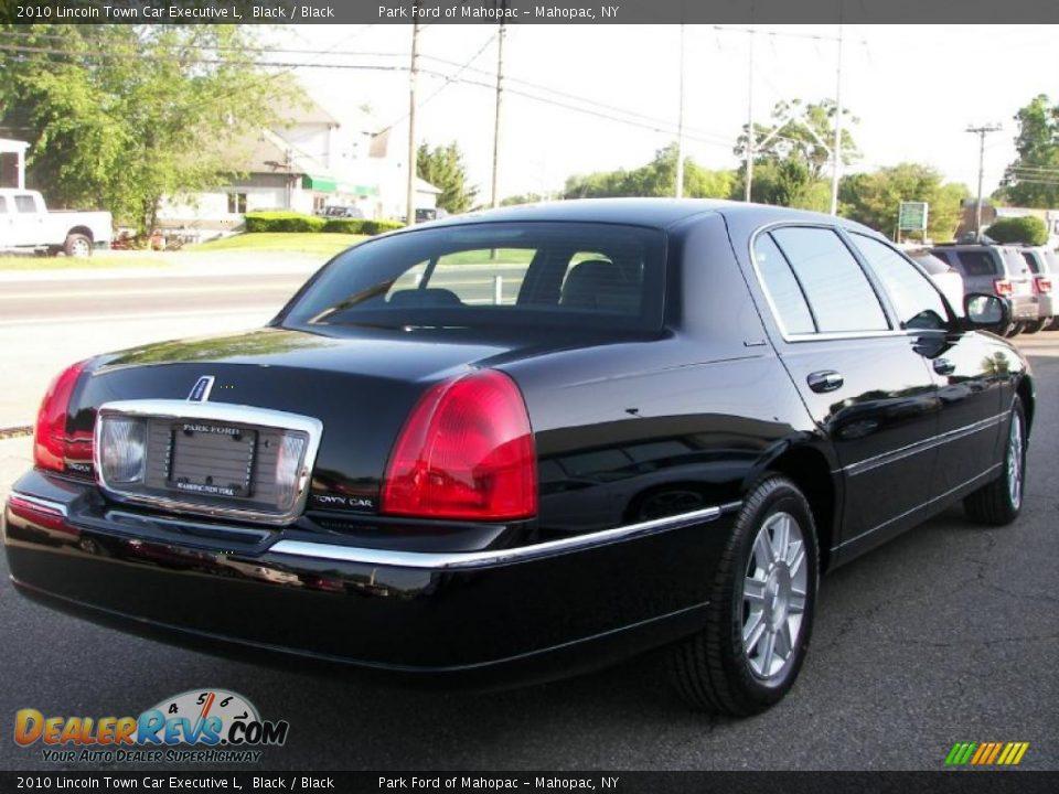 2010 Lincoln Town Car Executive L Black Black Photo 3
