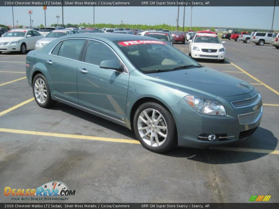 2009 chevrolet malibu ltz sedan silver moss metallic. Black Bedroom Furniture Sets. Home Design Ideas
