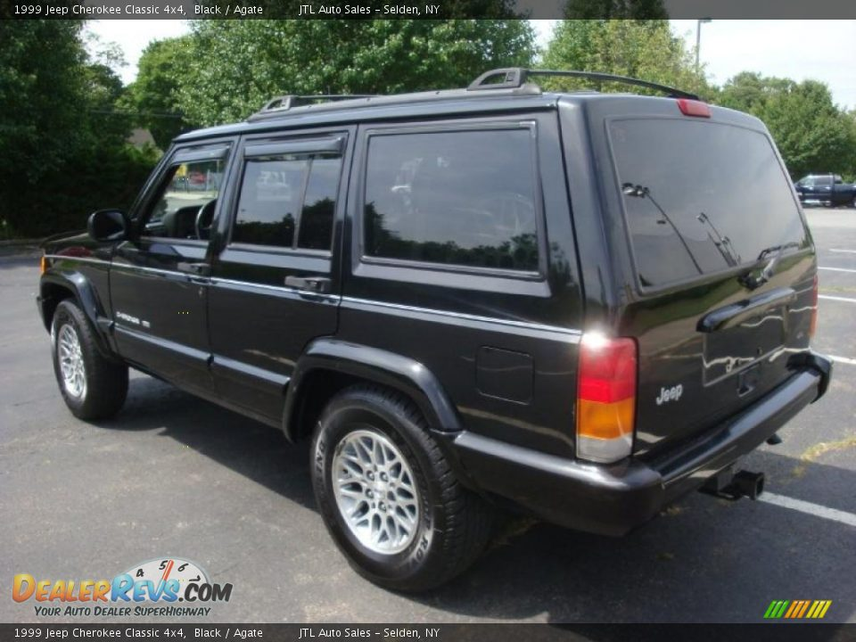1999 Jeep Cherokee Classic 4x4 Black Agate Photo 4