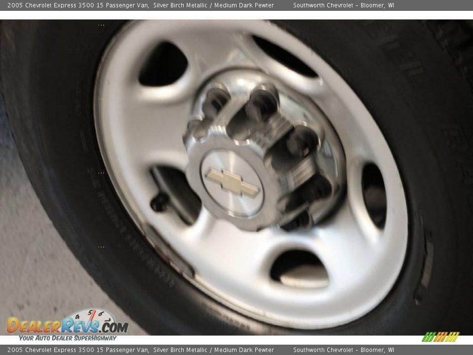 2005 Chevrolet Express 3500 15 Passenger Van Silver Birch Metallic / Medium Dark Pewter Photo #13