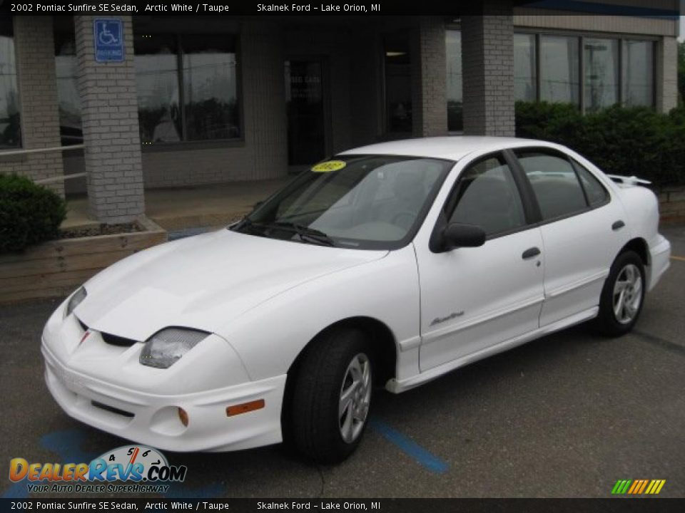 2002 pontiac sunfire se sedan arctic white taupe photo. Black Bedroom Furniture Sets. Home Design Ideas