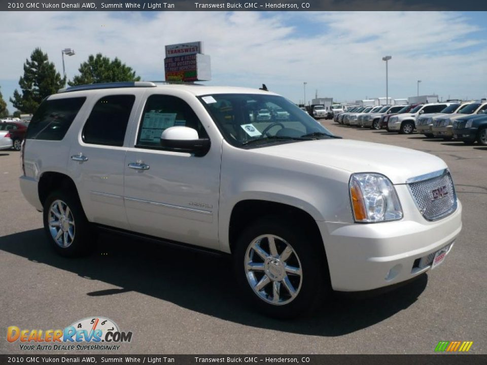 2010 gmc yukon denali awd summit white light tan photo. Black Bedroom Furniture Sets. Home Design Ideas