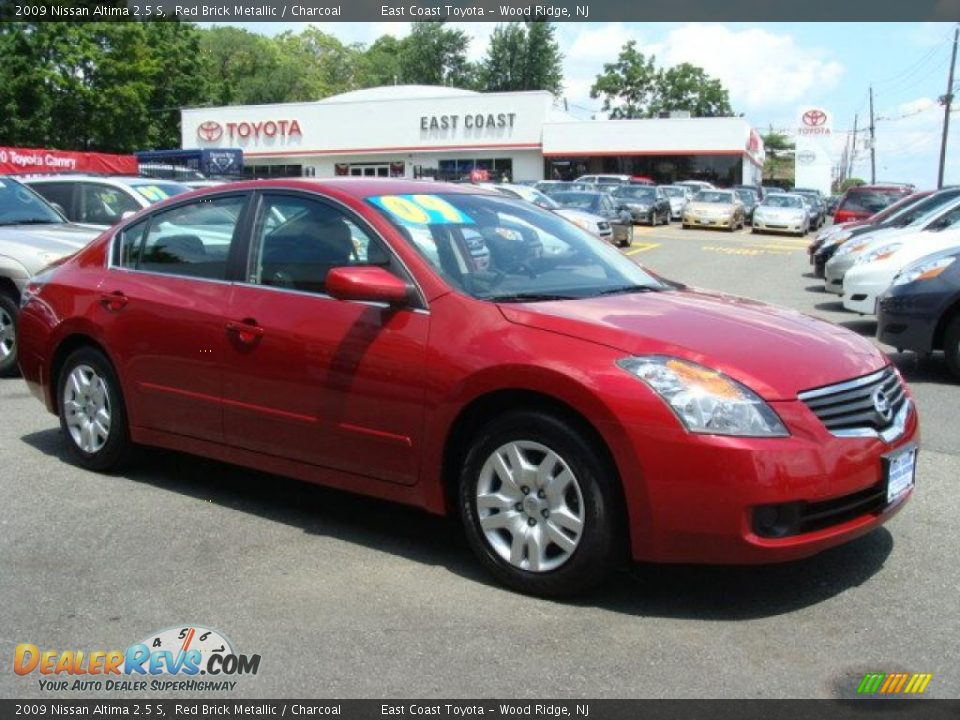 2009 Nissan Altima 2 5 S Red Brick Metallic Charcoal Photo 3 Dealerrevs Com