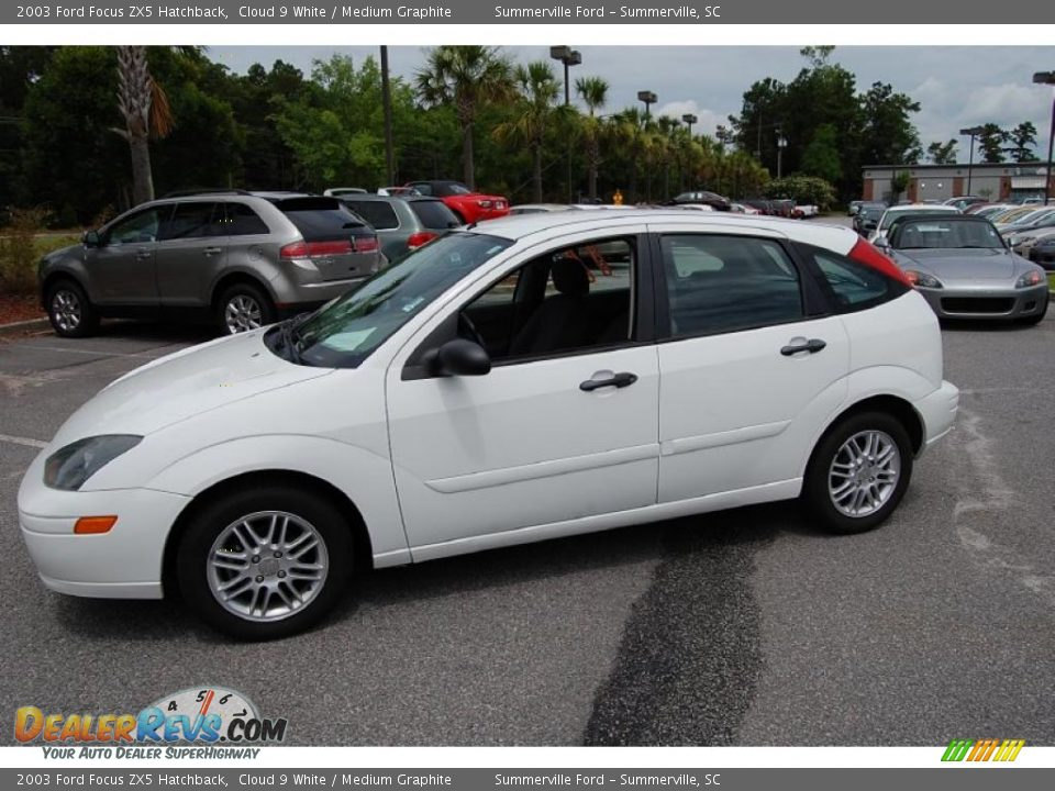 2003 ford focus zx5 hatchback cloud 9 white medium. Black Bedroom Furniture Sets. Home Design Ideas