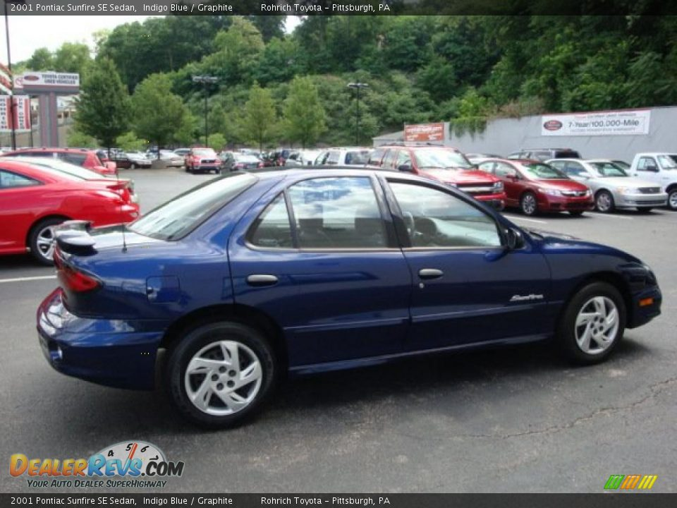 2001 Pontiac Sunfire SE Sedan Indigo Blue / Graphite Photo #5 ...