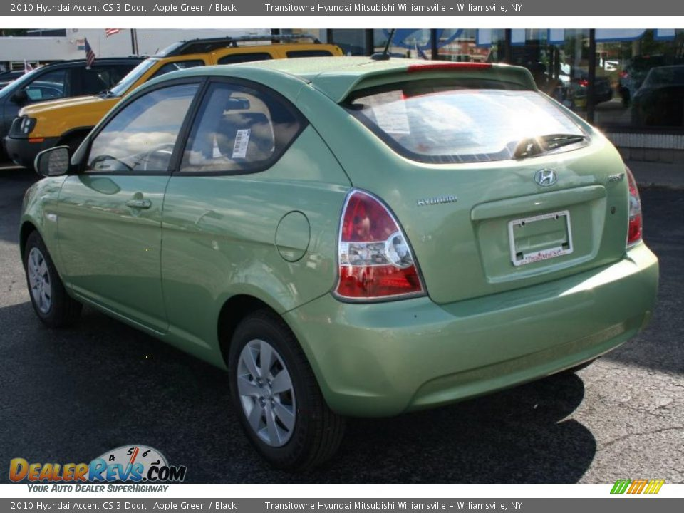 2010 Hyundai Accent GS 3 Door Apple Green Black Photo 2