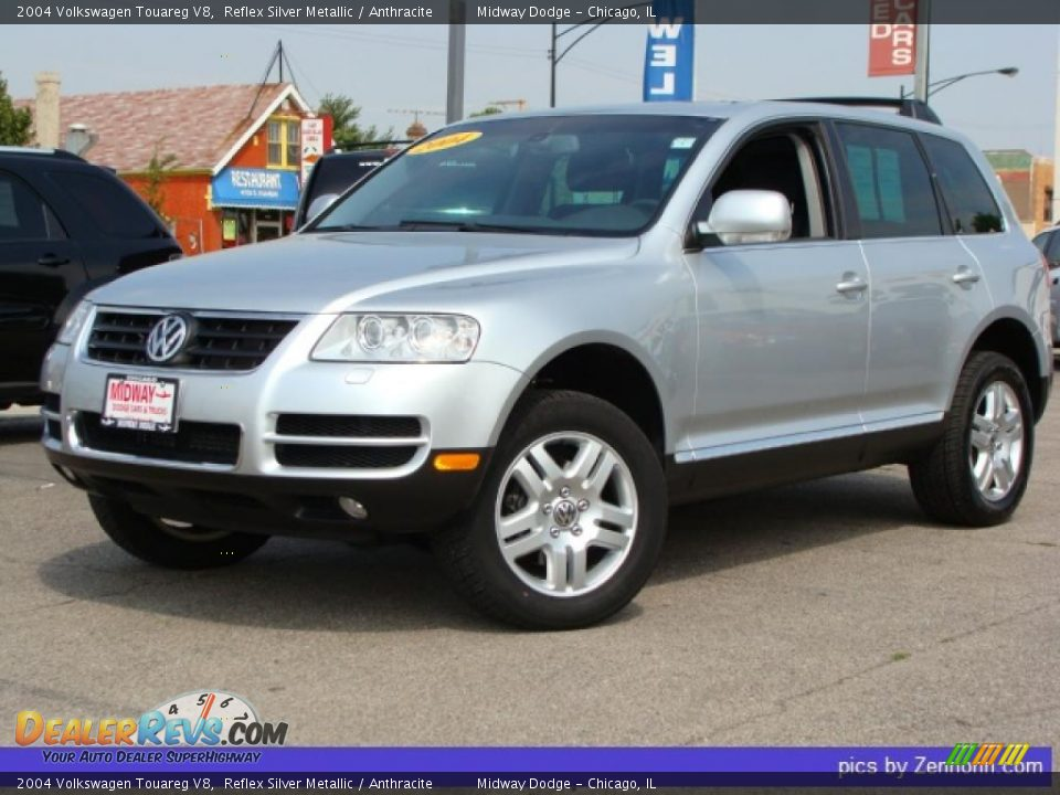 2004 volkswagen touareg v8 reflex silver metallic anthracite photo 1. Black Bedroom Furniture Sets. Home Design Ideas