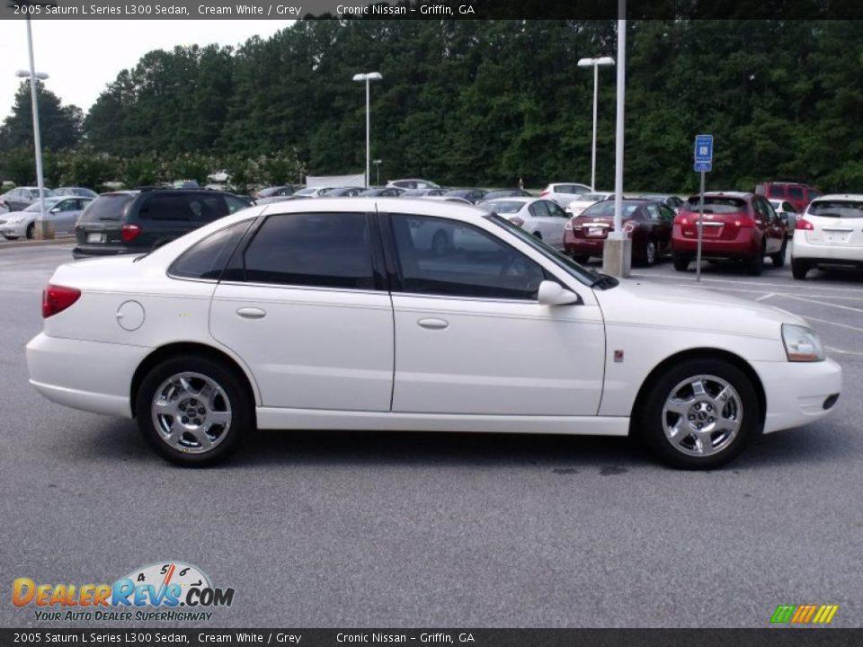2005 Saturn L Series L300 Sedan Cream White    Grey Photo