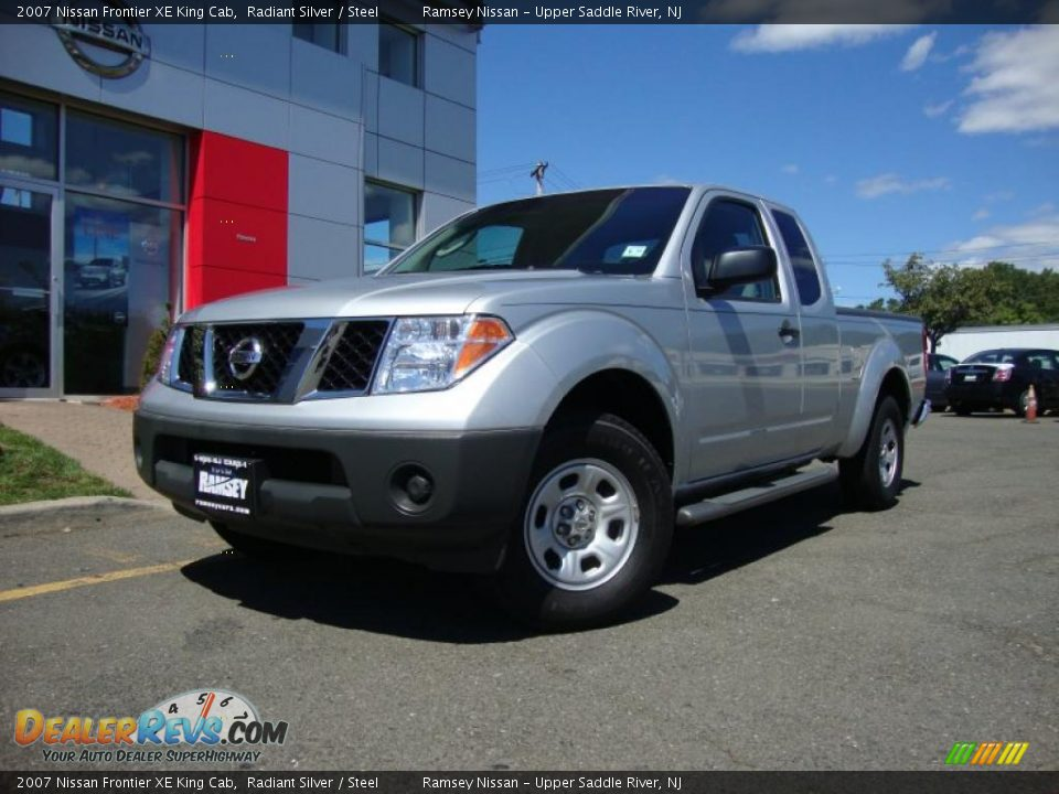 2007 nissan frontier xe king cab radiant silver steel photo 1. Black Bedroom Furniture Sets. Home Design Ideas