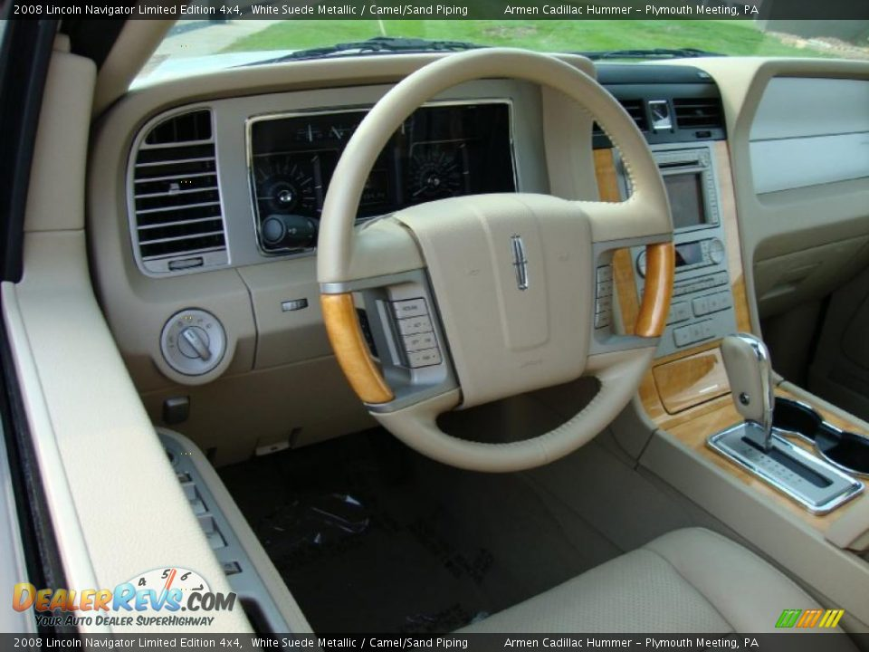 Camel Sand Piping Interior 2008 Lincoln Navigator Limited Edition 4x4 Photo 11