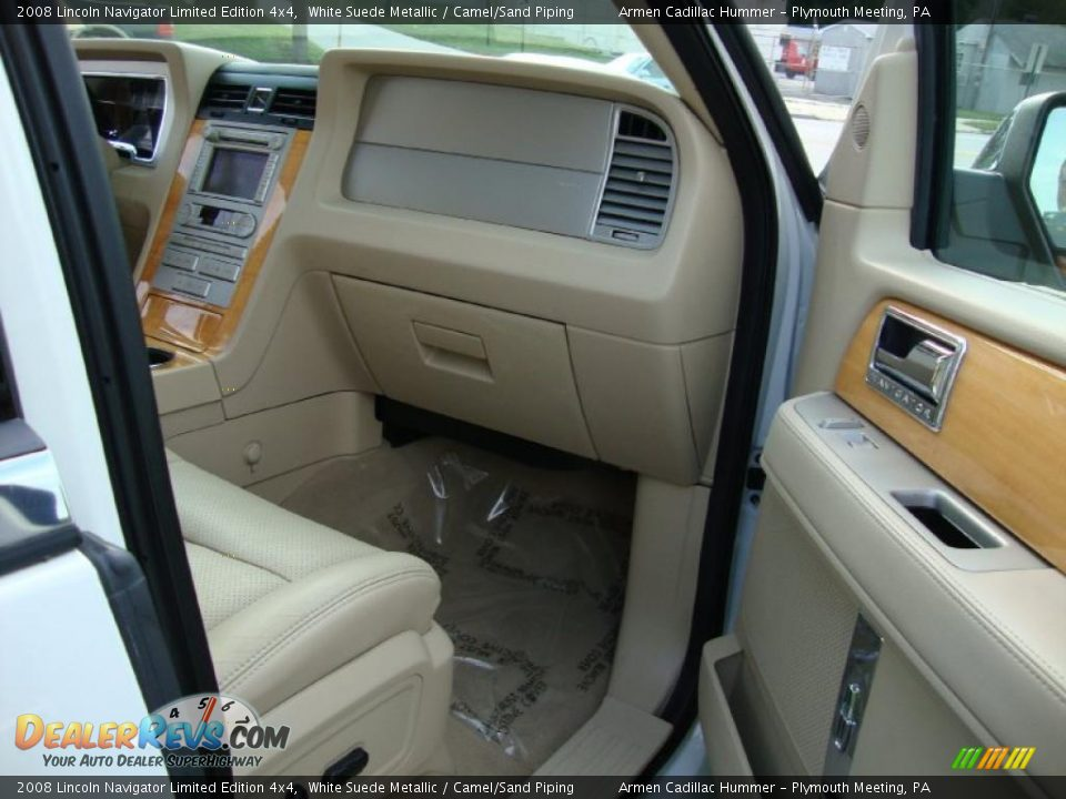 Camel Sand Piping Interior 2008 Lincoln Navigator Limited Edition 4x4 Photo 18