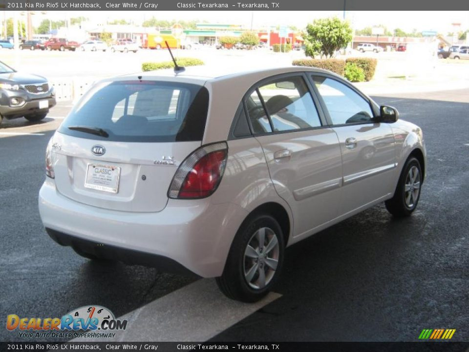 2011 kia rio rio5 lx hatchback clear white gray photo 5. Black Bedroom Furniture Sets. Home Design Ideas