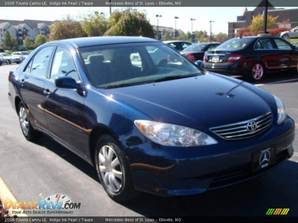2006 Toyota Camry Le Indigo Ink Pearl Taupe Photo 3