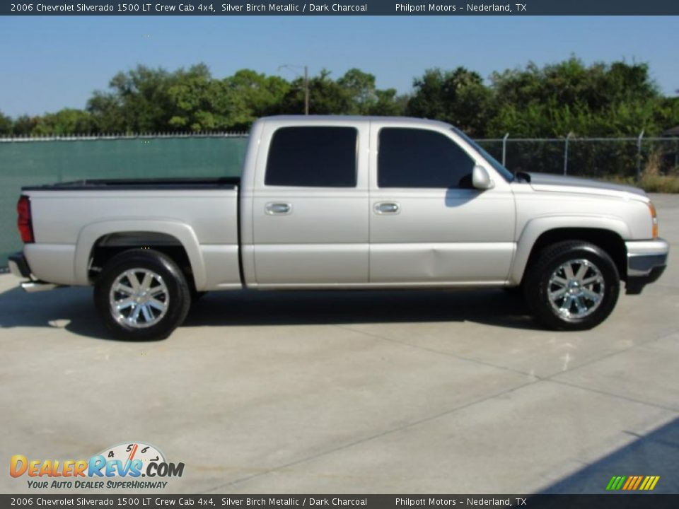 2006 chevrolet silverado 1500 lt crew cab 4x4 silver birch metallic dark charcoal photo 2. Black Bedroom Furniture Sets. Home Design Ideas