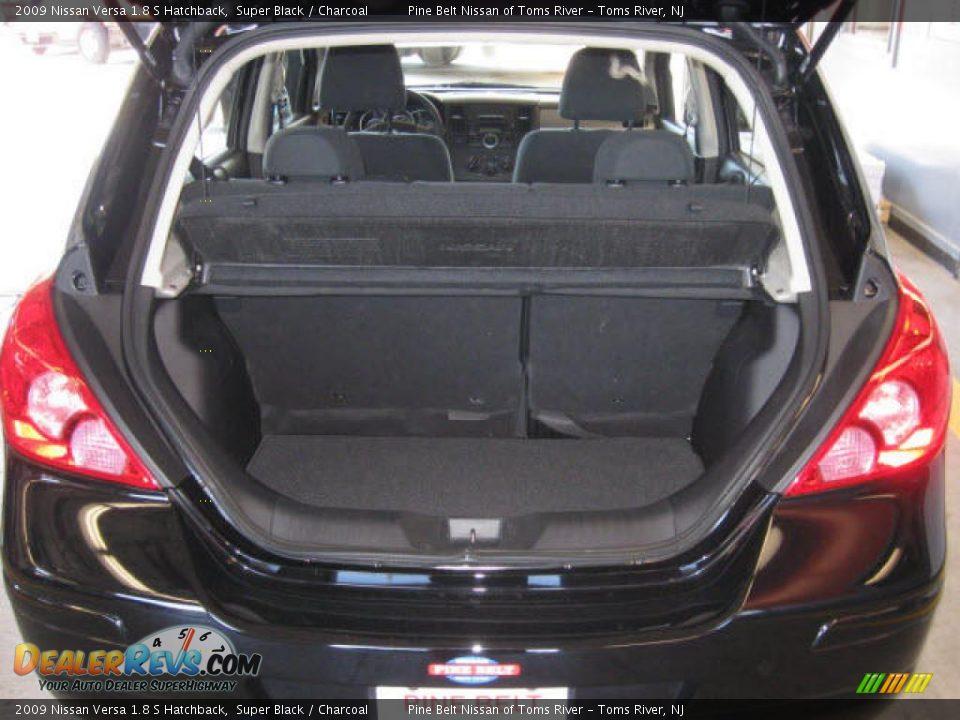 2009 nissan versa 1 8 s hatchback trunk photo 13. Black Bedroom Furniture Sets. Home Design Ideas