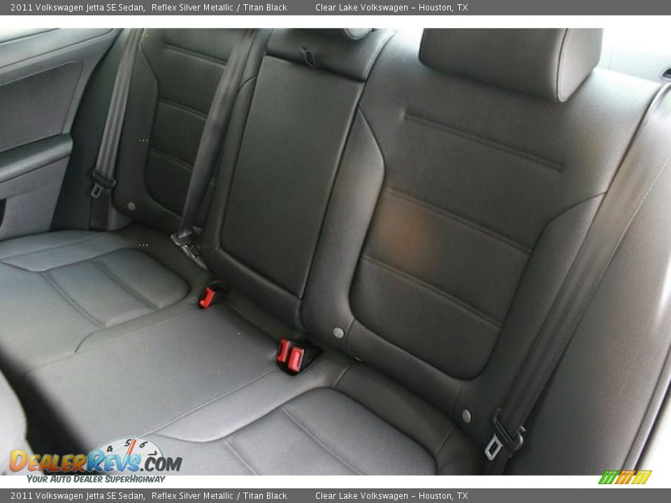 Titan Black Interior 2011 Volkswagen Jetta Se Sedan Photo 17