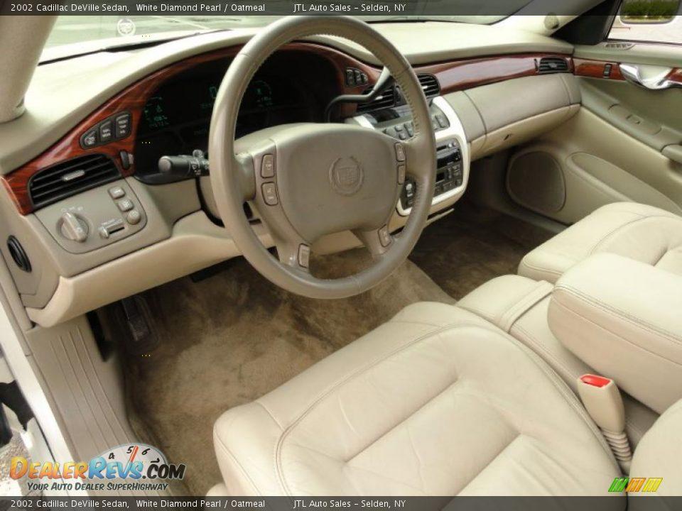 Oatmeal Interior 2002 Cadillac Deville Sedan Photo 13