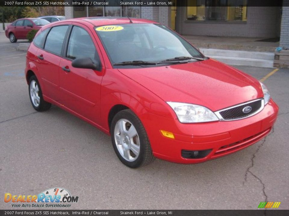 2007 ford focus zx5 ses hatchback infra red charcoal. Black Bedroom Furniture Sets. Home Design Ideas